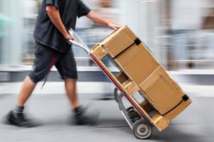 Przesyłki w sklepach internetowych