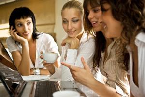 8b18c9f02a Kobiety kupują coraz więcej w sieci